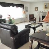 Ferienhaus, Mehrere Betten (2360 S Downing) - Wohnzimmer