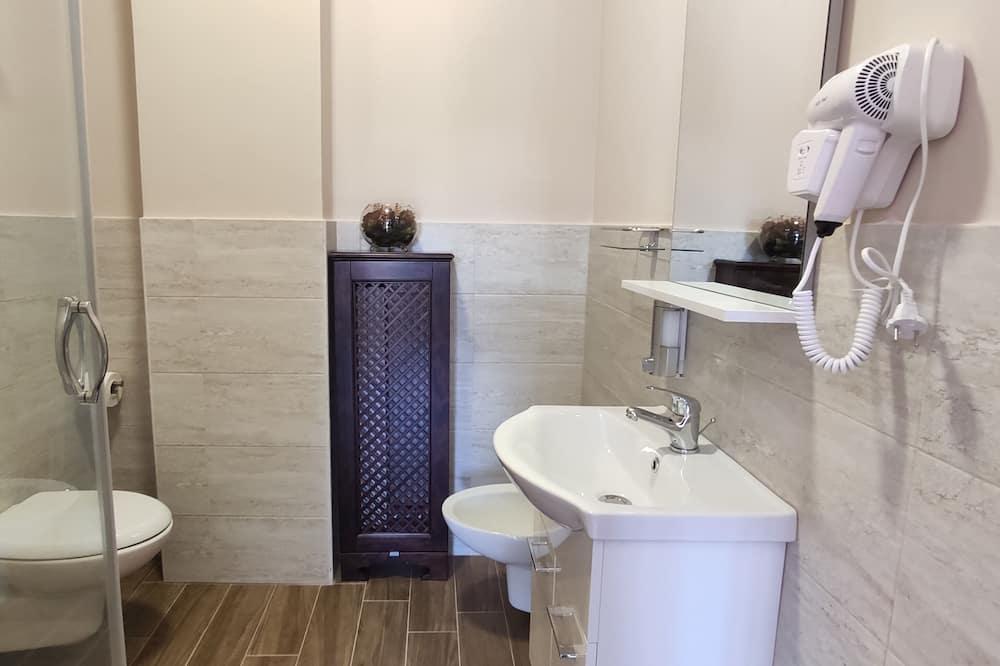 Superior Double or Twin Room, Partial Sea View (3) - Bathroom