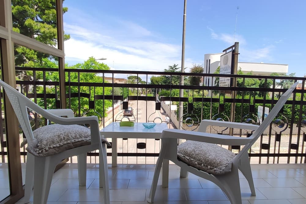 Superior Double or Twin Room, Partial Sea View (3) - Terrace/Patio