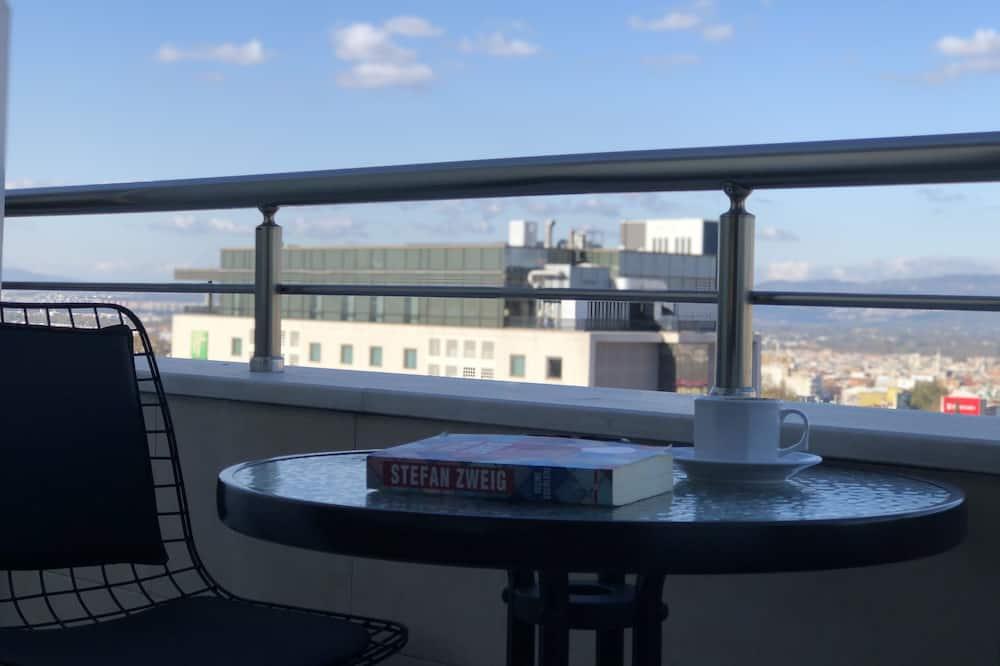 Deluxe Triple Room - Terrace/Patio