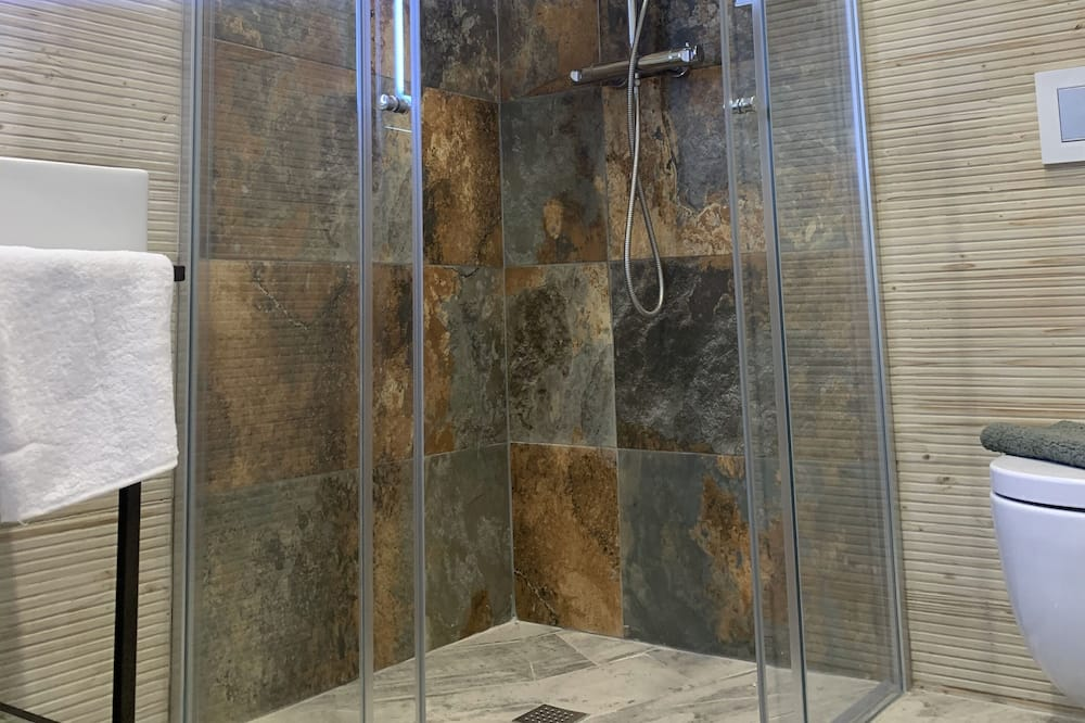 Basic Μονόκλινο Δωμάτιο - Μπάνιο