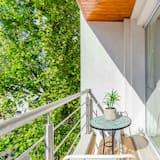 Deluxe Apartment (#2) - Balcony