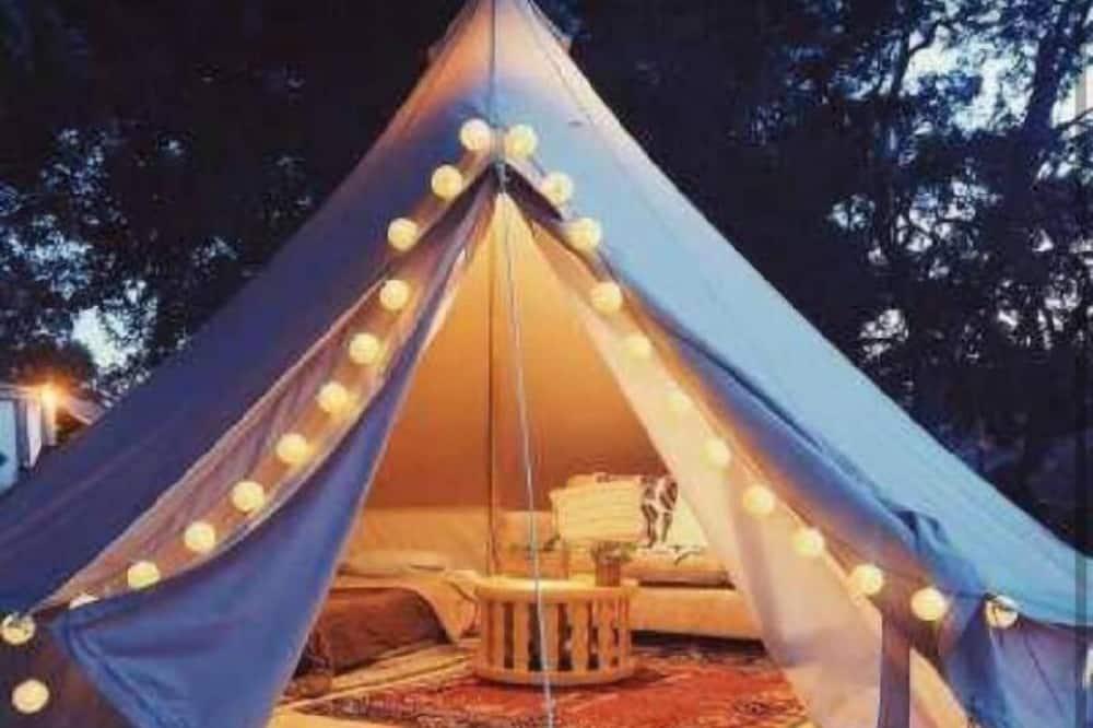 Exclusieve tent, uitzicht op tuin (Navy Camp) - Kamer