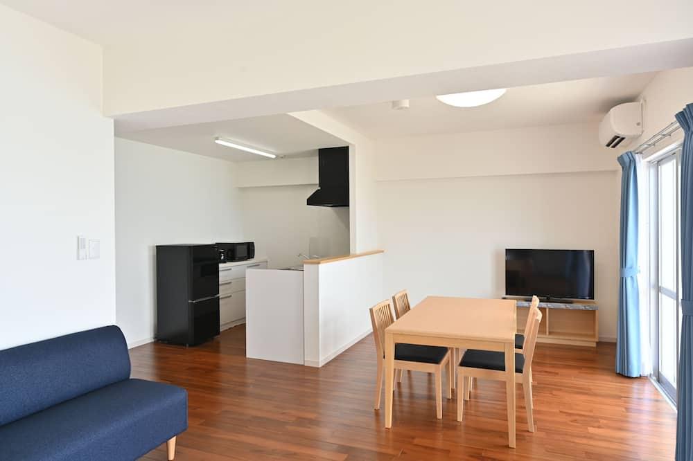 Condominio familiar, 2 habitaciones, cocina, frente al mar - Sala de estar