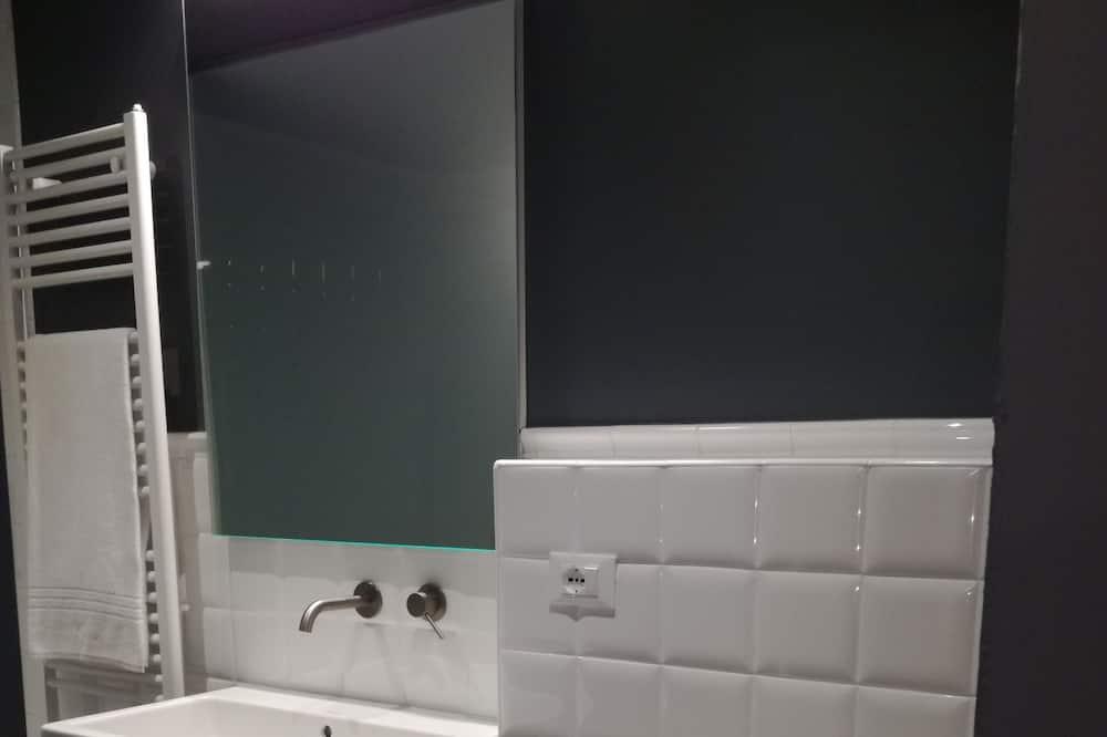 Dvivietis kambarys (Carlo Scarpa) - Vonios kambarys