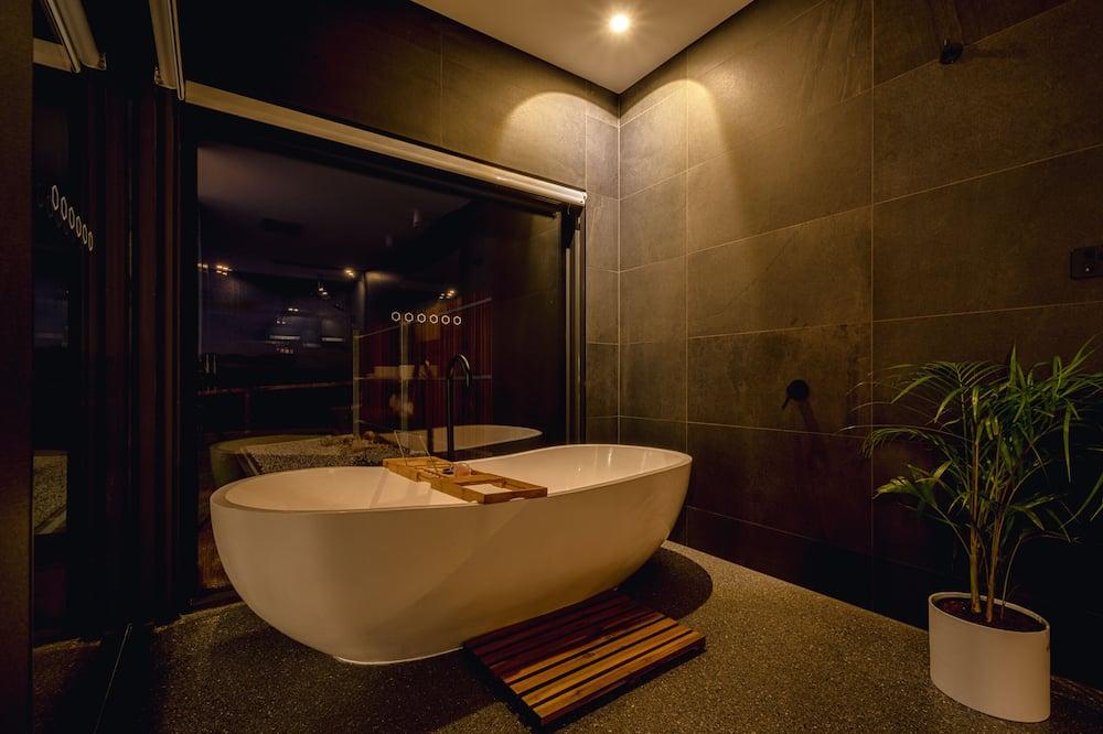 Панорамний двомісний номер, з видом на океан, внутрішній дворик - Приватна спа-ванна