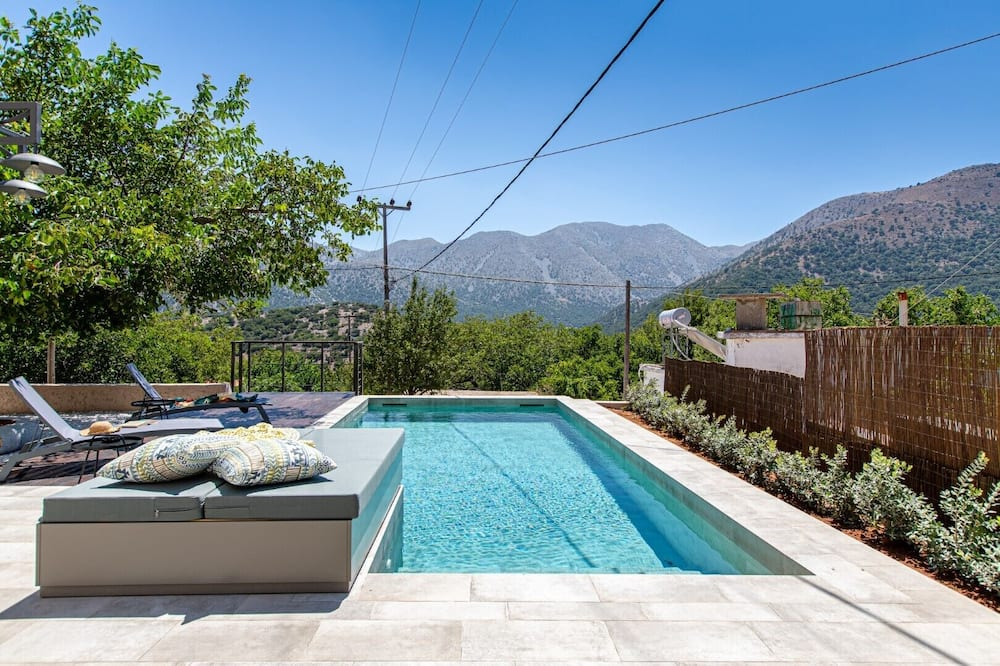 Traditional/lux Villacrete Mountainsprivate Pool