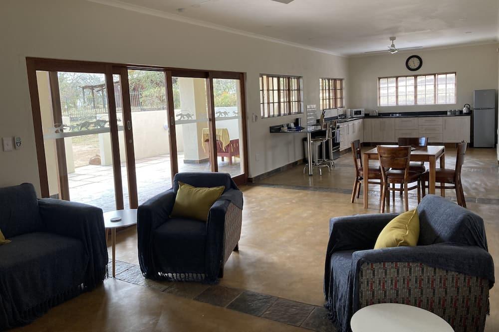 Luxury Cottage, 2 Bedrooms - Living Area