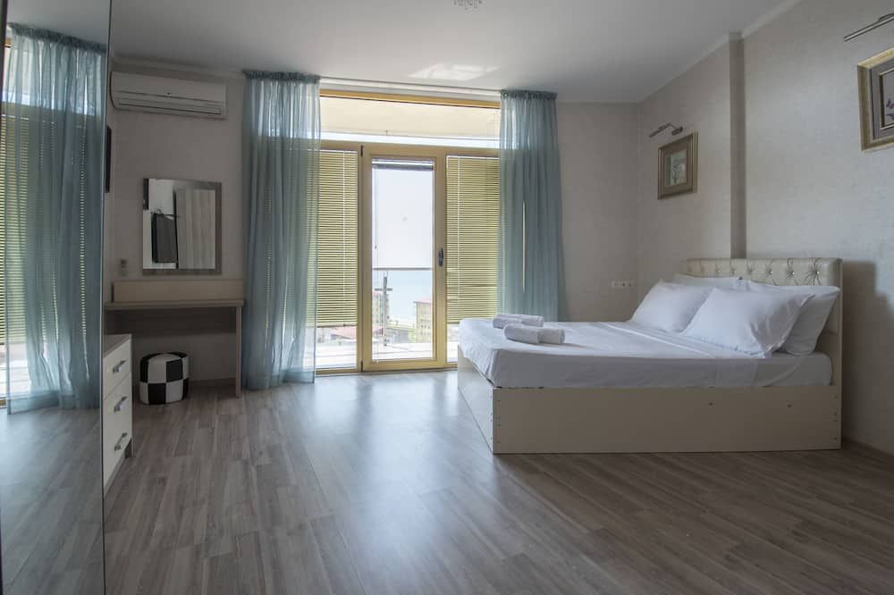 Superior Double Room, Sea View - Living Area