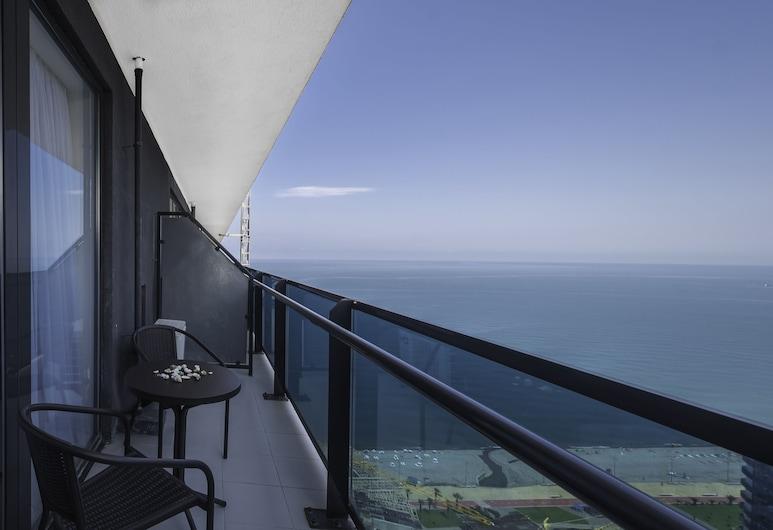 オルビ ビーチ タワー ホテル オフィシアル, バトゥーミ, スーペリア ダブルルーム シービュー, テラス / パティオ