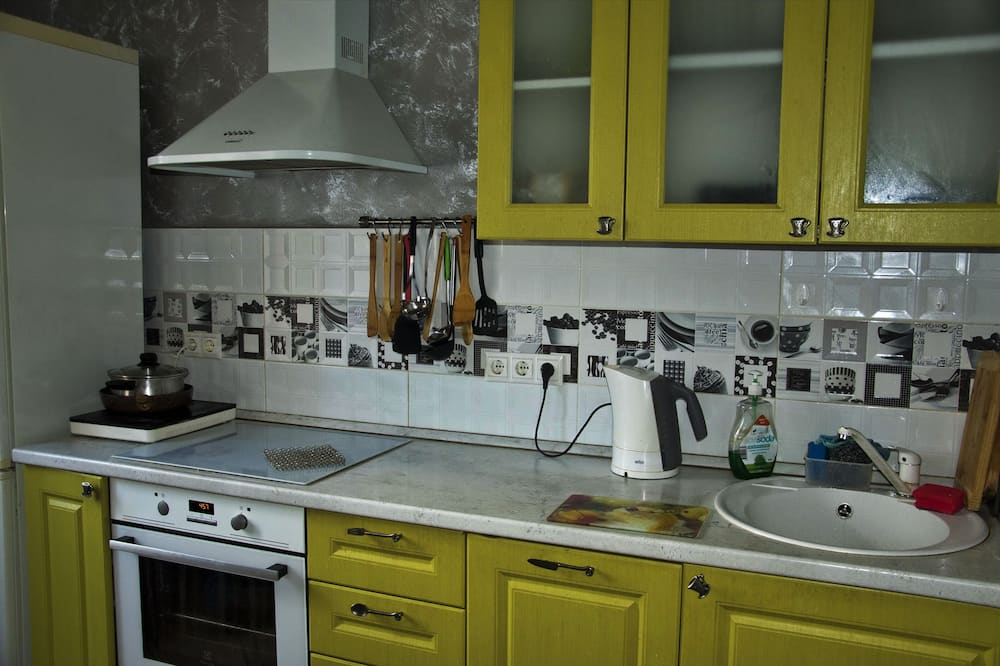 Τρίκλινο Δωμάτιο, 3 Μονά Κρεβάτια (#1) - Κοινόχρηστη κουζίνα