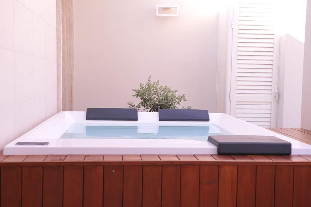 Luxury Suite, 1 Bedroom, Sea View (Suite Sauvage) - Private spa tub