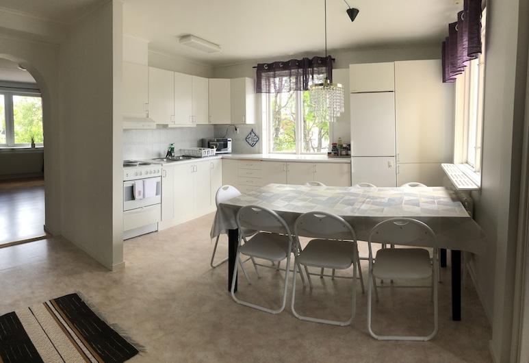 Northern Light Rental Apartments, Kiruna, Comfort Apartment, Private Bathroom, Private kitchen