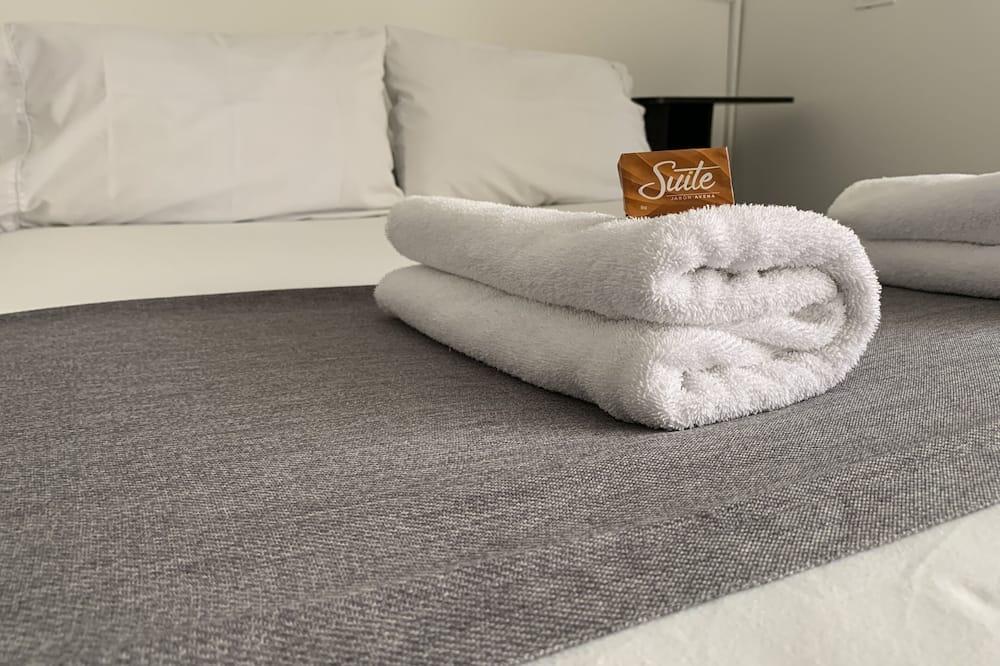 Standard Tek Büyük Yataklı Oda, 1 Çift Kişilik Yatak, Sigara İçilmez, Özel Banyo - Oda