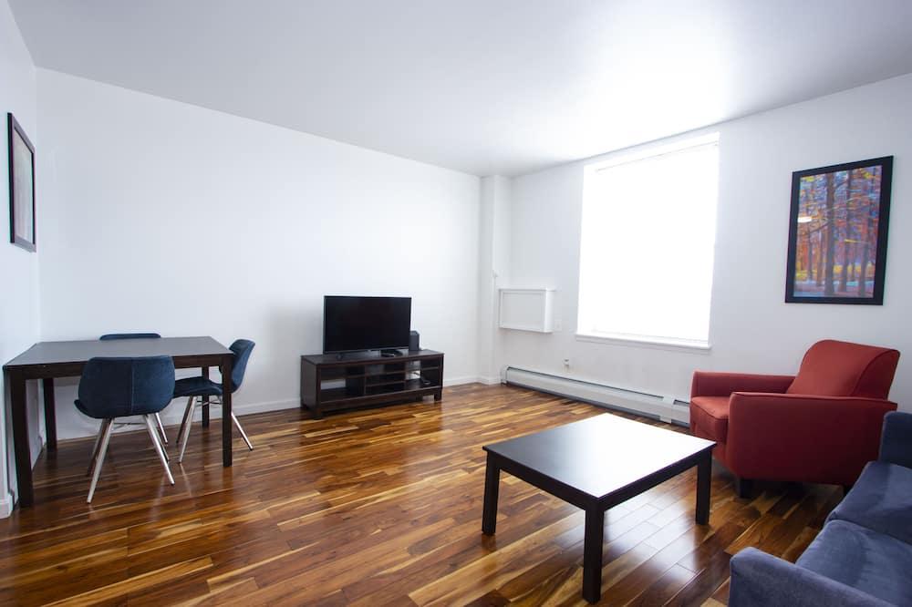 クラシック アパートメント クイーンベッド 1 台ソファーベッド付き 禁煙 - リビング エリア