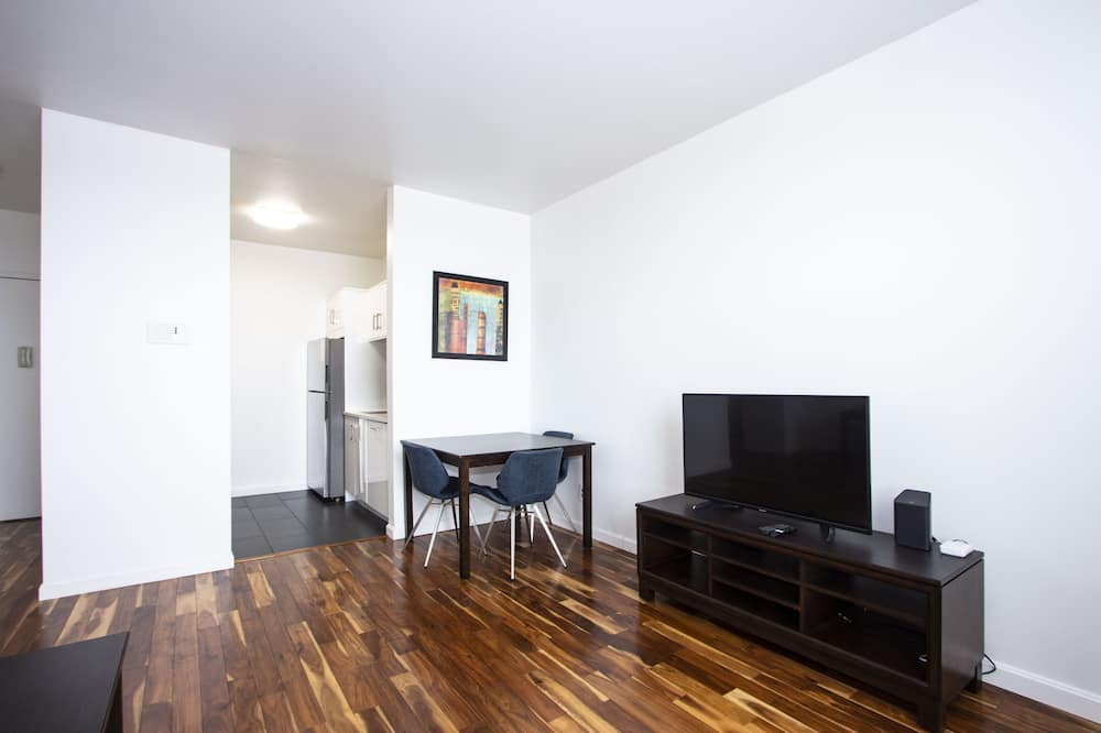 クラシック アパートメント クイーンベッド 1 台ソファーベッド付き 禁煙 - 室内のダイニング