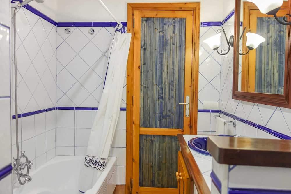 Villa (Es Fexo) - Bathroom
