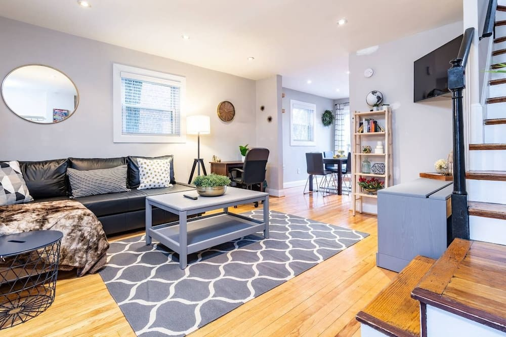 Gorgeous Home 10 min to DC 5 min to DCA Airport