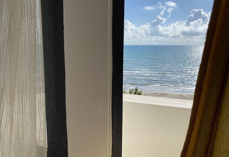 Hotel Al-Mar, Durres, Deluxe Triple Room, Guest Room View