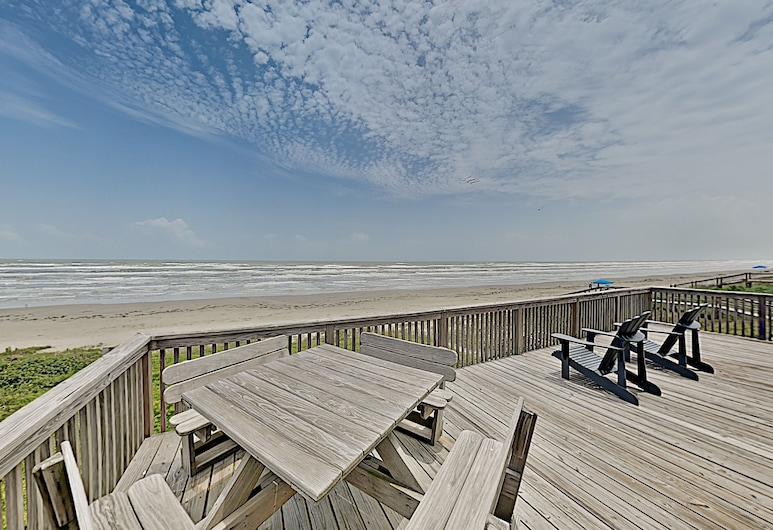 On The Beach - Sunlit Haven With Panoramic Gulf Views - 3 Bedroom Home, Galveston, Hus - 4 soveværelser, Altan