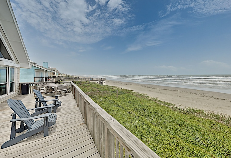 Sunlit Beachfront Haven W/ Panoramic Gulf Views 3 Bedroom Home, Galveston