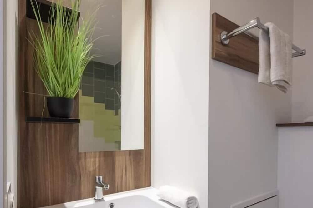 Premium Studio - Bathroom Sink