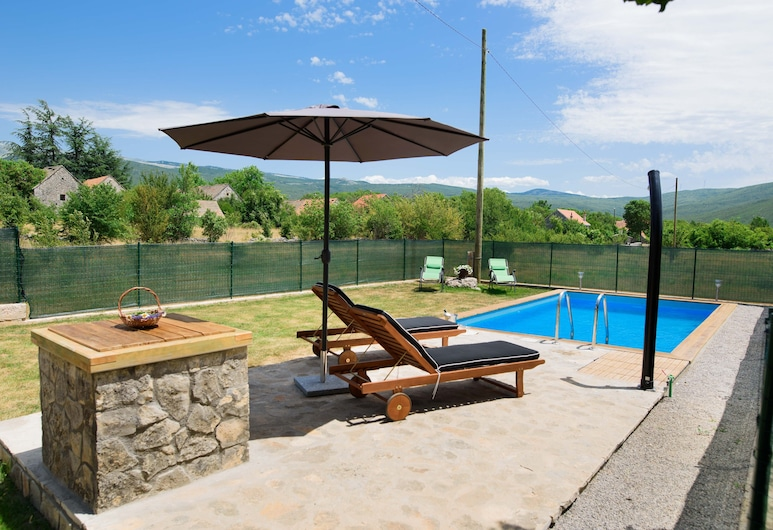Villa G&P, تريلج, فيلا (Two-Bedroom Villa with Private Pool), حمام سباحة