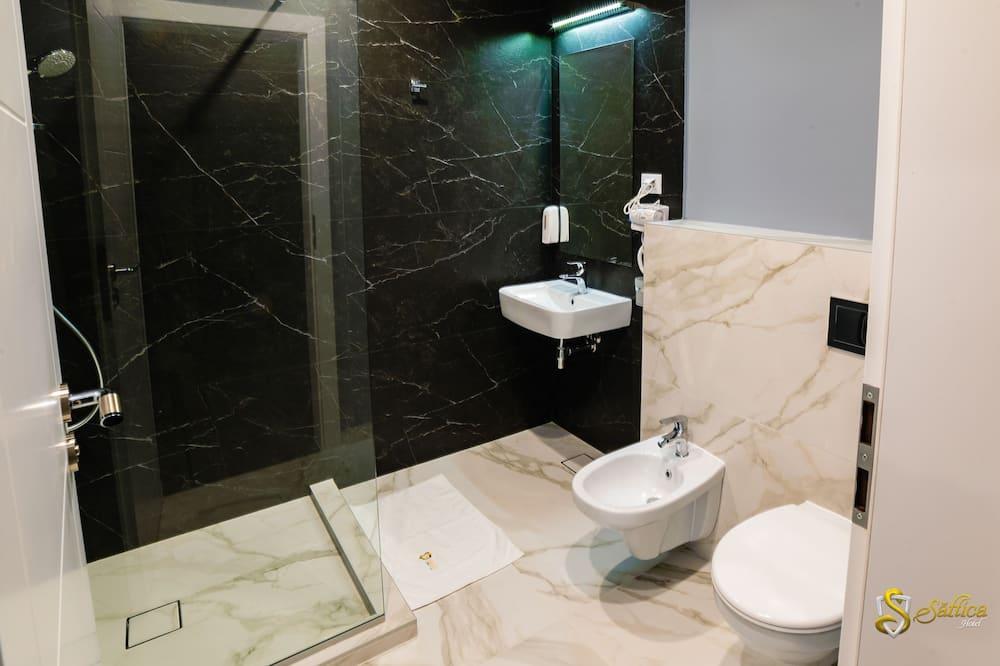 Superior - kahden hengen huone, 1 keskisuuri parisänky - Kylpyhuone