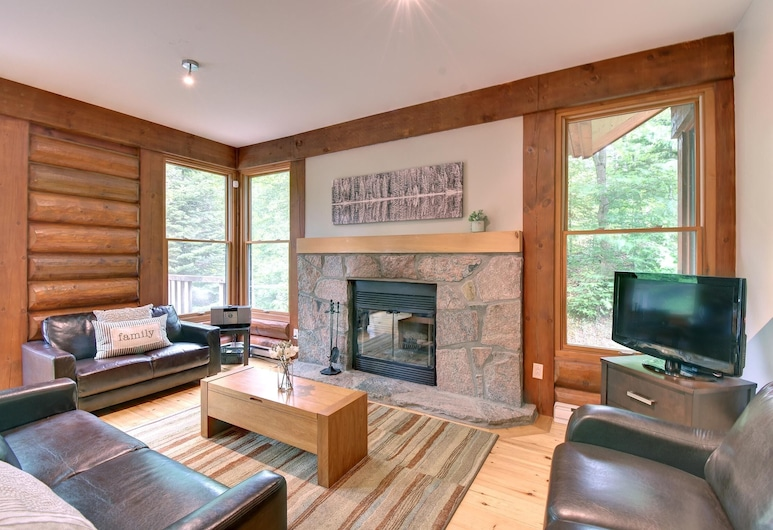 10 min Drive to Tremblant Citq # 242292, Lac-Superieur, Living Room