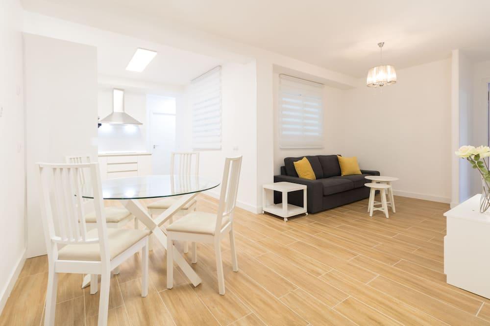 Ühetuba, 2 ühevoodit (#2 Private Room Smart Apartment eTHo) - Elutuba