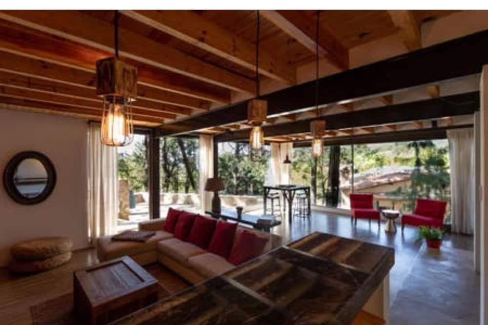 Luxury Chalet - Living Room