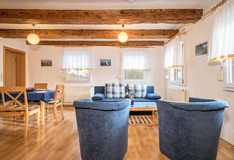 Charming Apartment 4-star Holiday Apartment No. 3 With Wi-fi, Balcony, Garden & Terrace; Parking Available, Deggenhausertal, Værelse