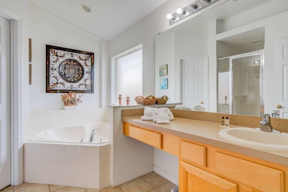 Σπίτι, Περισσότερα από 1 Κρεβάτια, Ιδιωτική Πισίνα, Θέα στην Πισίνα - Μπάνιο