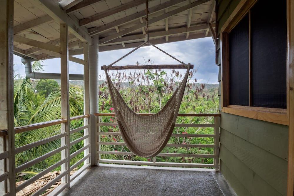 Улучшенный четырехместный номер - Балкон