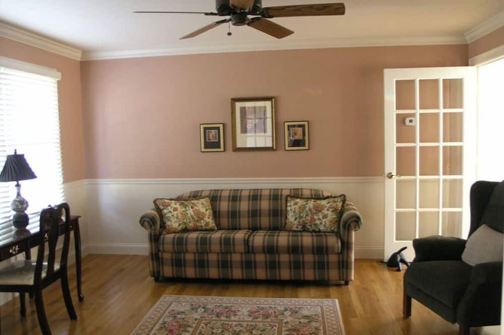 Dom, viacero postelí, kuchyňa - Obývačka
