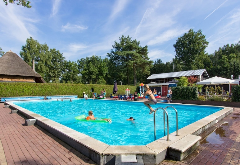 Cheerful Mobile Home With Dishwasher, Near Park De Veluwe, Otterlo, Pool