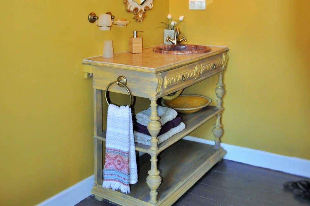 Princess Romantic Bedroom with Sea View - Ванна кімната
