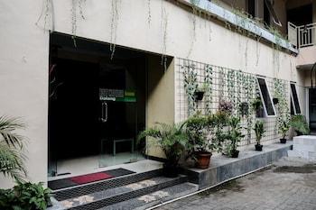 Picture of RedDoorz near Kebun Raya Bogor 2 in Bogor