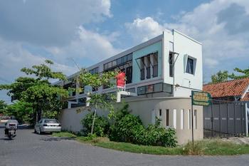 スマラン、RedDoorz near Stasiun Tawang Semarangの写真