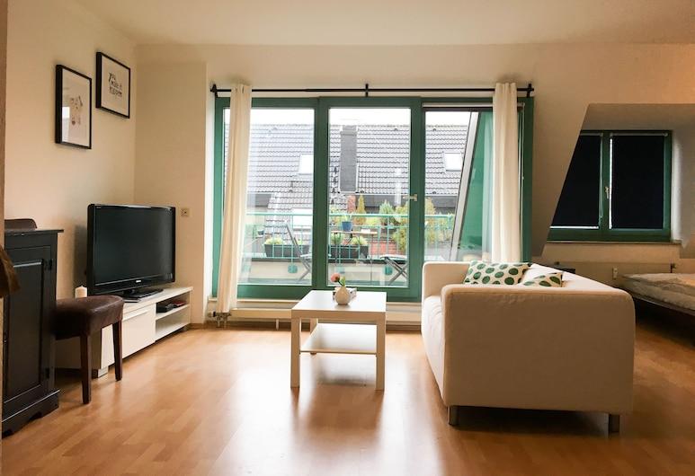 Apartamento luminoso 15 minutos de la ciudad de Colonia, Pulheim, Sala de estar