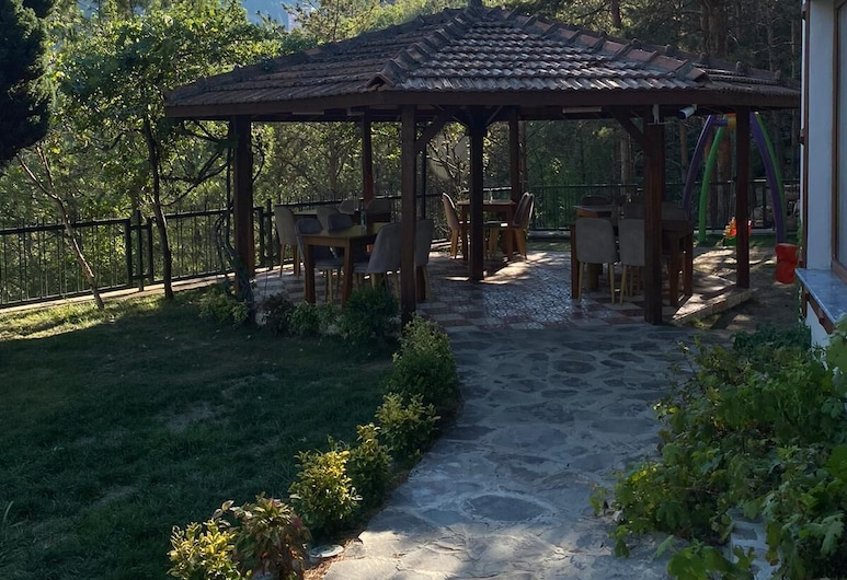 Koru Butik Otel, Artvin, Jardín