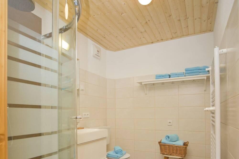 Perhehuoneisto, 3 makuuhuonetta - Kylpyhuone