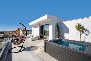 Hình ảnh Filopappou Hill Suites by Athens Stay tại Kallithea