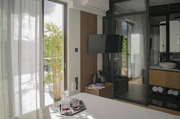 ภาพ Filopappou Hill Suites by Athens Stay ใน Kallithea