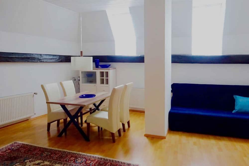 Apartamento - Refeições no Quarto