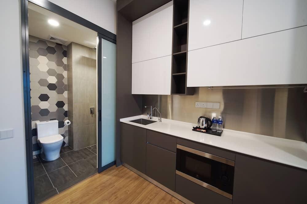 Designer Twin Studio - Bathroom