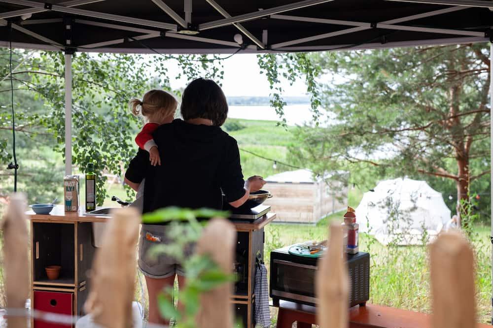 Comfort Cabin, Lake View, Lakeside - Shared kitchen