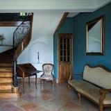 Comfort Double Room (Jeanne Lisa) - Ruang Tamu