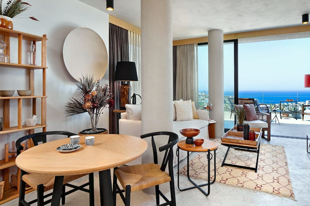 Basic Apartment, 1 Bedroom, Sea View - Living Area