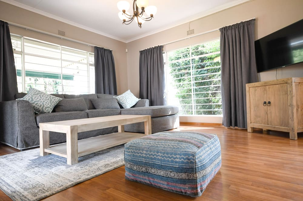 Standartinio tipo namas, 3 miegamieji - Svetainės zona